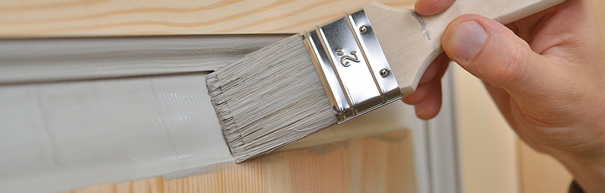 Dipingere porte e infissi delle finestre - Cambiare colore mobile legno ...